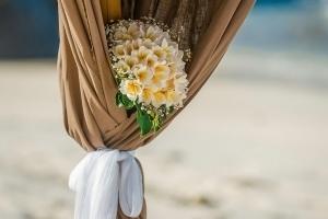 Hochzeit Carana Beach Frangipani Brautstrauss