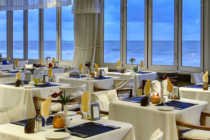 Coral Strand Smart Choice Hotel Restaurant