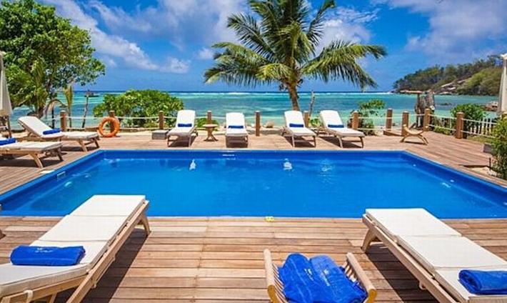 Crown Beach Hotel Pool