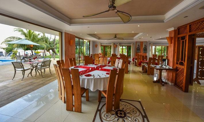 Crown Beach Hotel Restaurant