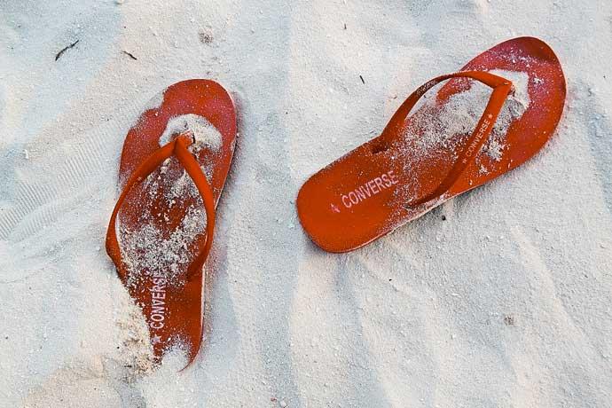 Flip Flops im Sand