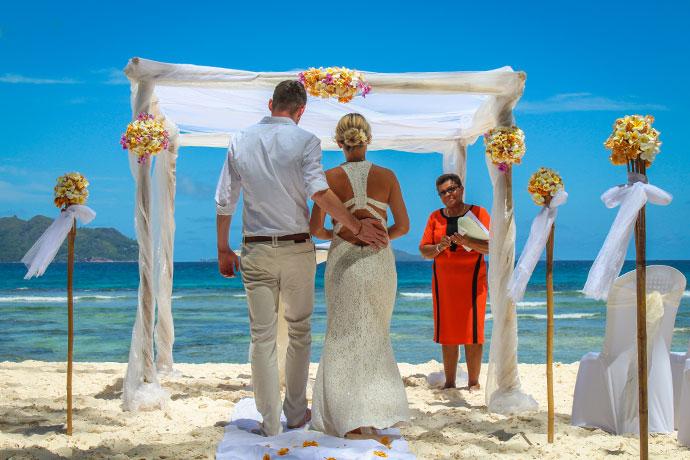 Hochzeit auf La Digue an der Anse Severe