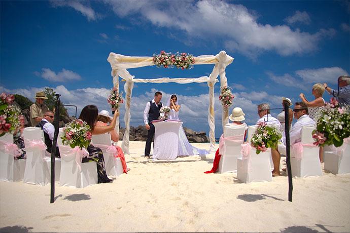 Heiraten auf La Digue an der Grand Anse