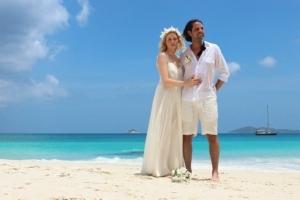Hochzeit auf Praslin Brautpaar Anse Lazio
