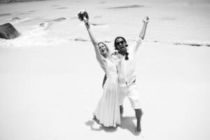 Hochzeit auf Praslin Brautpaar gute Laune