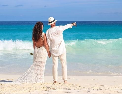 Romantic Island - eheversprechen Paar am Strand