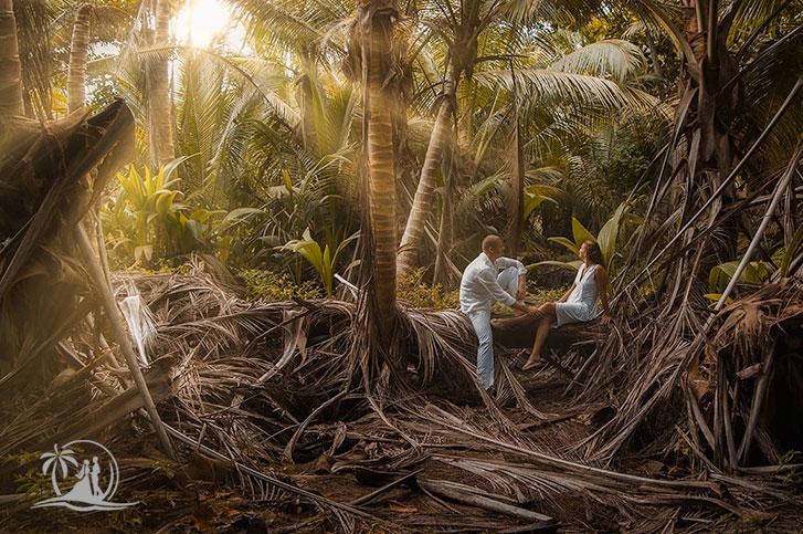 Fotograf Seychellen Honeymoon Paarshooting Praslin tropischer Regenwald