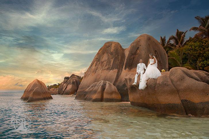 Seychellen Mahe Fotograf Hochzeitspaar Source d'Argent