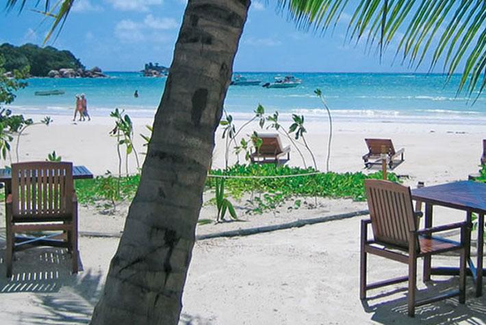 Village du Pecheur Beach Seating
